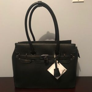 NWT Adrienne Vittadini The Kelly Collection tote.